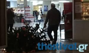 Εισβολή κουκουλοφόρων στο Πανεπιστήμιο Μακεδονίας: Έσπασαν τραπεζάκια και ξήλωσαν αφίσες (pics)