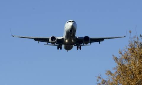 Πανικός σε πτήση - Αναγκαστική προσγείωση αεροσκάφους
