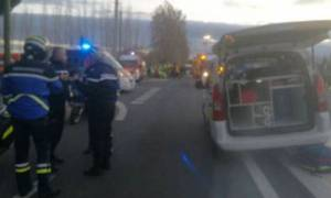 Τραγωδία στη Γαλλία: Τουλάχιστον 4 νεκροί από σύγκρουση σχολικού λεωφορείου με τρένο (vids)