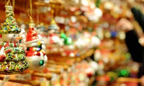 Χριστούγεννα 2017 - Εορταστικό ωράριο καταστημάτων από σήμερα: Ποιες Κυριακές θα είναι ανοιχτά