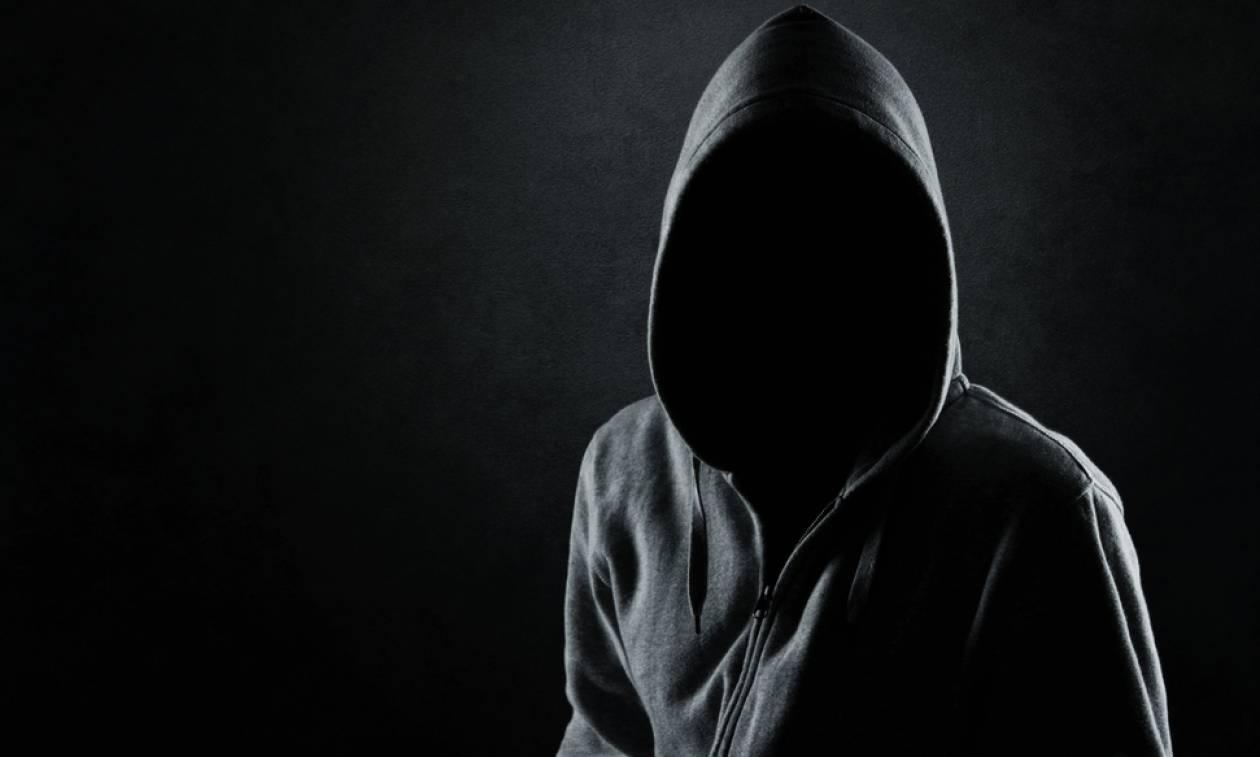 Θρίλερ στη Λαμία: Ο φαντομάς με τα ντόπερμαν που έκαιγε μελίσσια