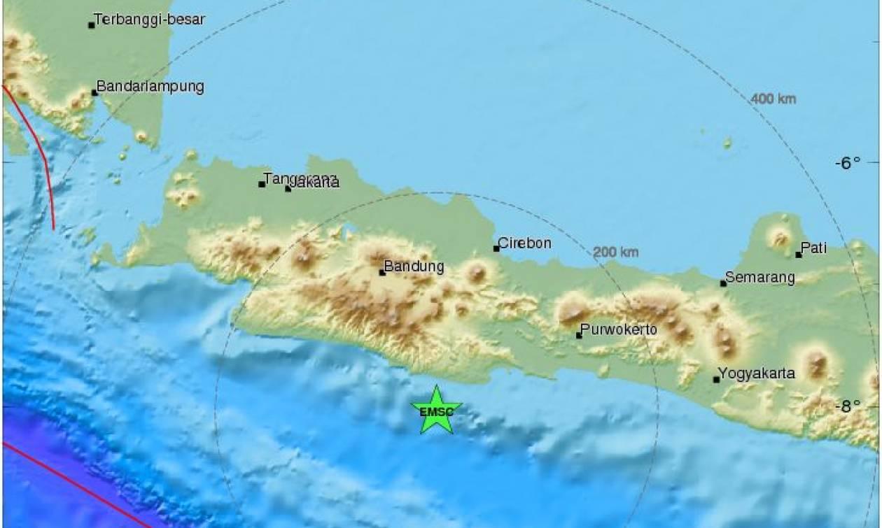 Ισχυρός σεισμός 6,5 Ρίχτερ συγκλόνισε την Ινδονησία