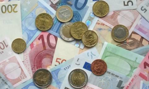 Είστε άνεργος; Δείτε πώς θα πάρετε επίδομα 400 ευρώ