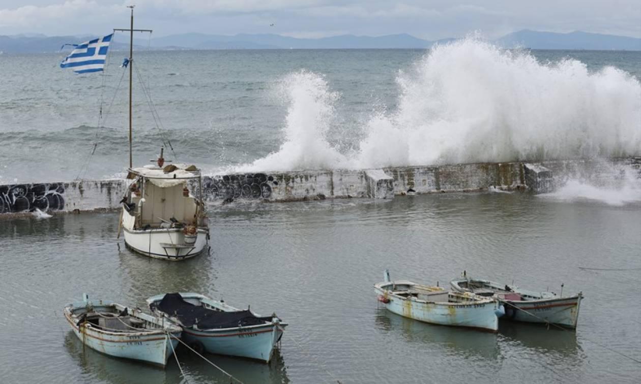Κακοκαιρία: Προβλήματα στις ακτοπλοϊκές συγκοινωνίες - Πού είναι δεμένα τα πλοία