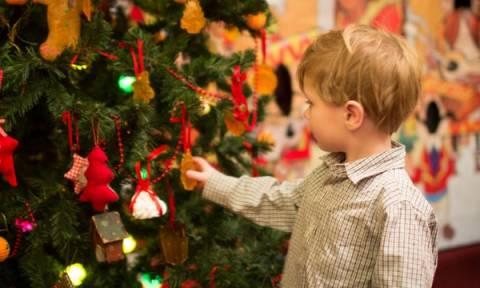 Μικρές ιδέες για τις τελευταίες πινελιές στον χριστουγεννιάτικο στολισμό