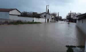 Κακοκαιρία: «Πνίγηκε» η Κομοτηνή - Εγκλωβίστηκαν κάτοικοι, πλημμύρισαν σπίτια, έκλεισαν δρόμοι
