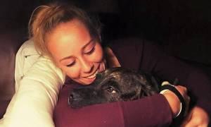 ΣΟΚ: Την κατασπάραξαν τα σκυλιά της κατά τη διάρκεια της βόλτας