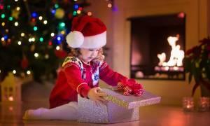Τι πρέπει να γνωρίζετε πριν αγοράσετε στις γιορτές παιχνίδια για τα παιδιά σας