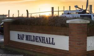 Συναγερμός στη Βρετανία: Επίθεση με αυτοκίνητο σε αεροπορική βάση των ΗΠΑ