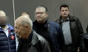 Έγκλημα στους Αγίους Αναργύρους: Γονατιστός πλάι στο νεκρό αγγελούδι του βρέθηκε ο δράστης