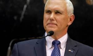 ΗΠΑ: Ο Πενς ανέβαλε το ταξίδι του στη Μέση Ανατολή