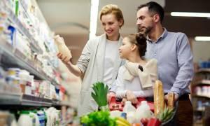 Διατροφή για υγιή οστά: Τι να τρώτε & τι να αποφεύγετε