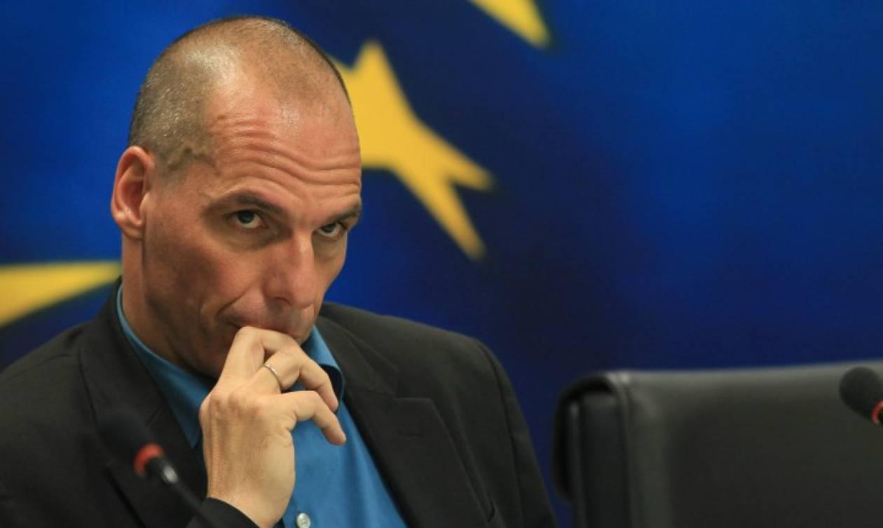 Μήνυση Βαρουφάκη στην ΕΚΤ για τα Capital Controls