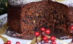 Συνταγή για χριστουγεννιάτικο κέικ με αποξηραμένα φρούτα και λικέρ