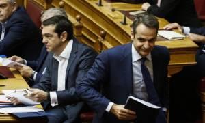 Ψηφίστηκε ο Προϋπολογισμός του 2018: Άγρια κόντρα Τσίπρα - Μητσοτάκη στη Βουλή