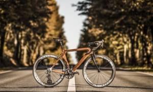 Με αυτό το ξύλινο ποδήλατο θα θέλετε να κάνετε βόλτα κάθε πρωί!