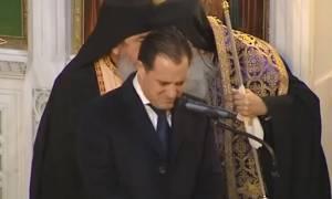 Κηδεία Βασίλη Μπεσκένη: Συγκλόνισε ο Άδωνις - Ξέσπασε σε λυγμούς στον επικήδειο (vid)