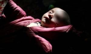 «Η εικόνα του με στoιχειώνει»: Συγκλονίζει το διαδίκτυο η φωτογραφία του μικρού Σύρου