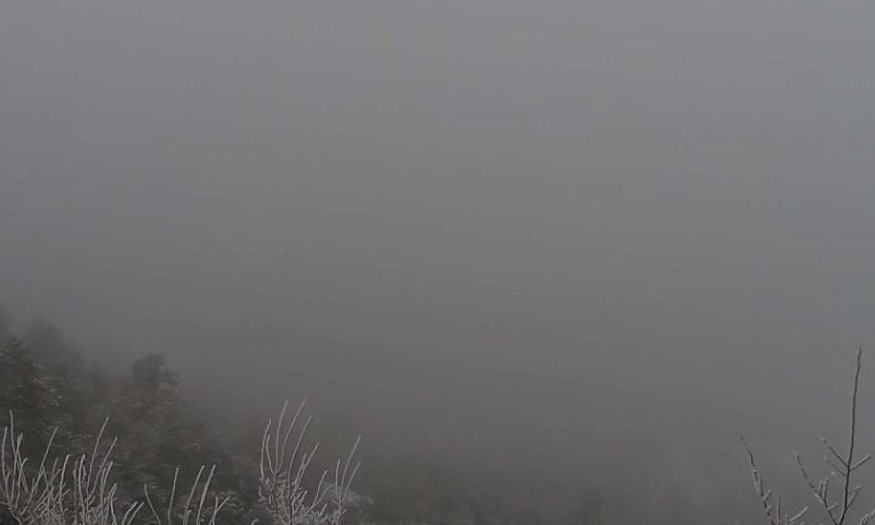 Καιρός: Χιονίζει ΤΩΡΑ στην Πάρνηθα – Δείτε LIVE εικόνα