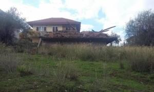 Απίστευτο και όμως αληθινό: Kατεδάφισαν λάθος σπίτι στο Αγρίνιο