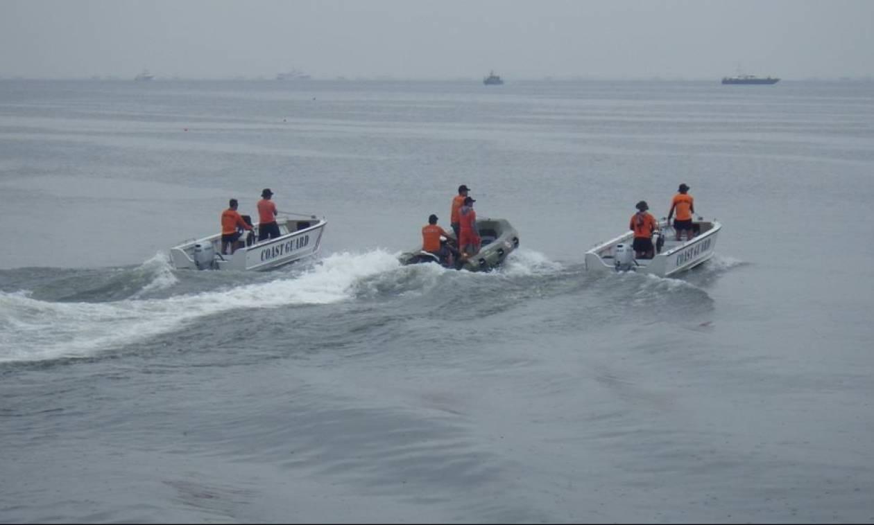 Θρίλερ στις Φιλιππίνες: Ανετράπη πλοίο με 251 επιβάτες - Φόβοι για πολλά θύματα