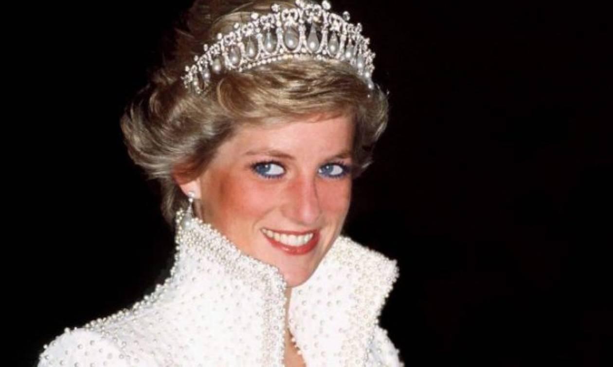 Η πριγκίπισσα Νταϊάνα γίνεται άγαλμα