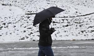 Καιρός ΤΩΡΑ: Πού βρέχει και πού χιονίζει αυτή τη στιγμή
