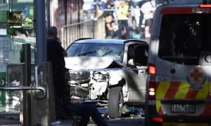 Μελβούρνη: Η δραματική στιγμή που το αυτοκίνητο χτυπά πεζούς-Για «όνειρα και φωνές» μίλησε ο δράστης