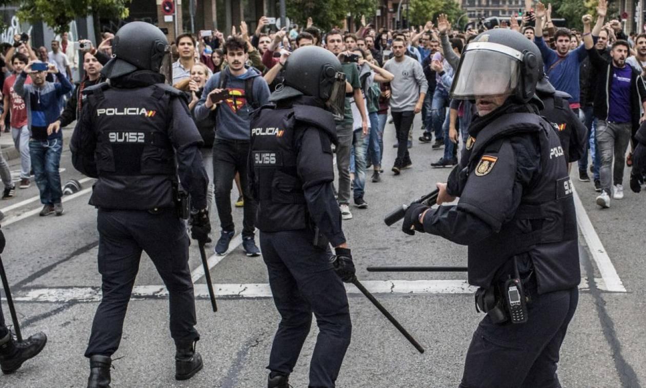Ισπανία: Τιμωρούν τους Καταλανούς για την ψήφο υπέρ της αυτονομίας με νέες διώξεις