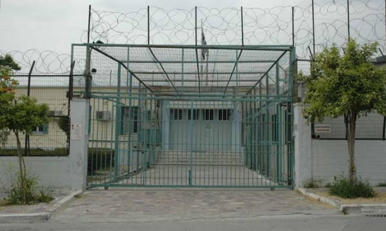 Κρατούμενοι ξυλοκόπησαν σωφρονιστικό υπάλληλο στις φυλακές Βόλου