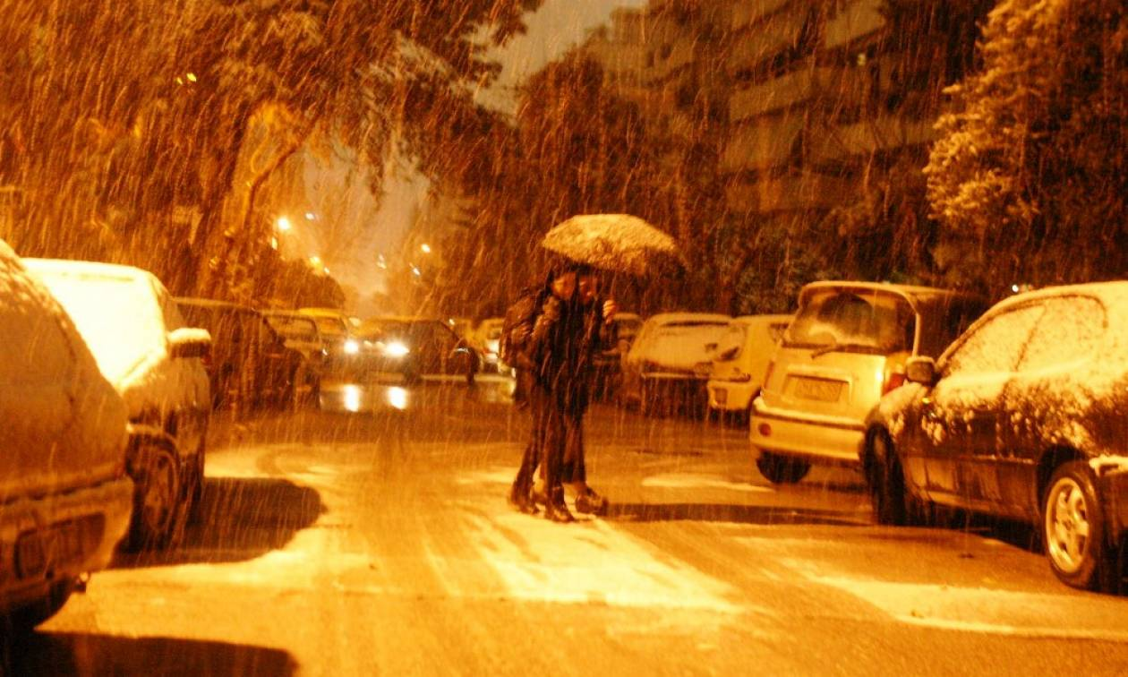 Καιρός: Στην κατάψυξη η χώρα - Χιόνια και παγετός την παραμονή των Χριστουγέννων