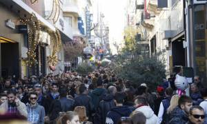Ωράριο καταστημάτων: Αυτές τις ώρες θα είναι ανοιχτά μαγαζιά και σούπερ μάρκετ σήμερα (24/12)