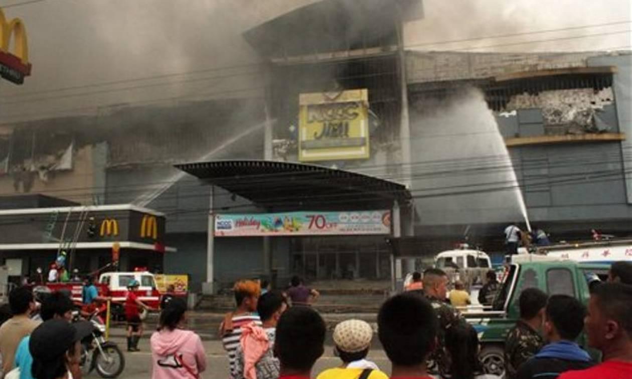Φιλιππίνες: Φόβοι για 37 νεκρούς από πυρκαγιά σε εμπορικό κέντρο