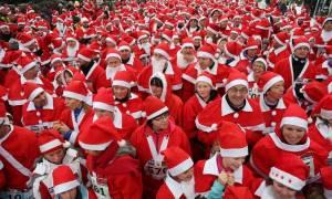 Ρόδος: Εκατοντάδες Αι-Βασίληδες στην πόλη της Ρόδου