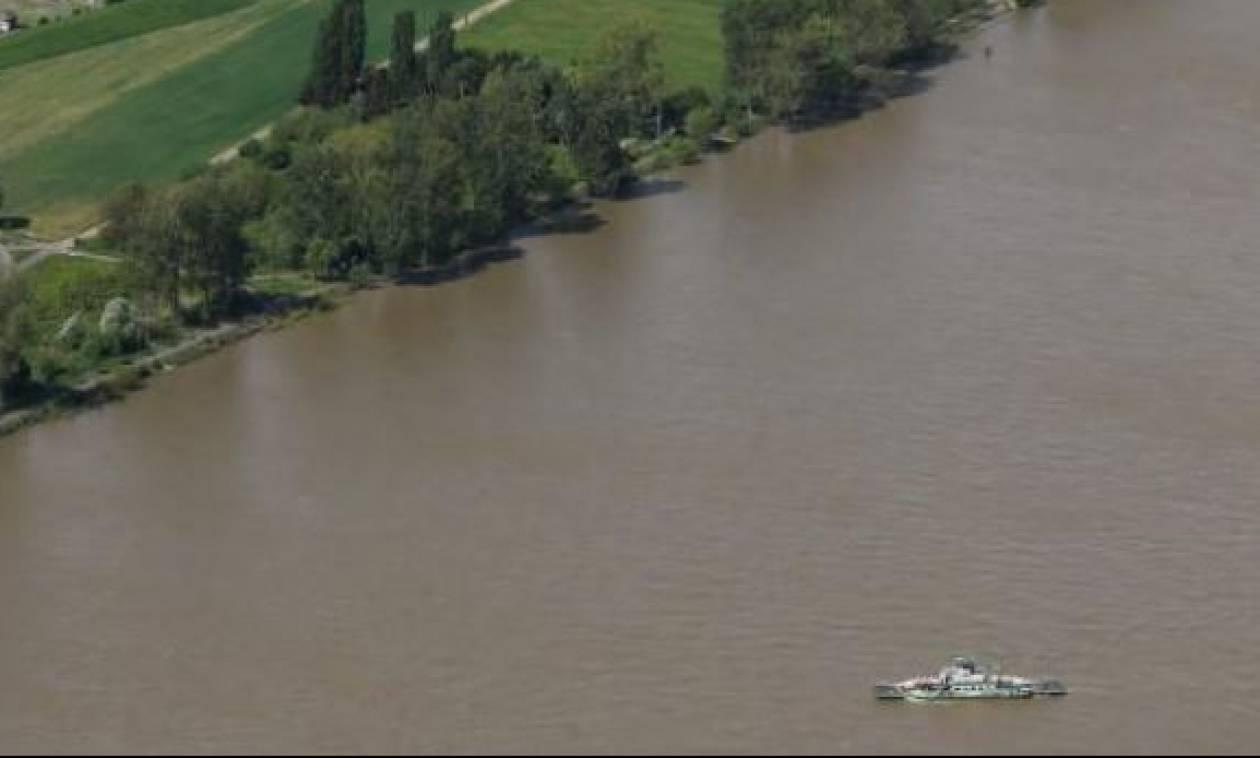 Ποταμόπλοιο έπεσε πάνω σε γέφυρα στο Ρήνο - Τουλάχιστον 27 τραυματίες
