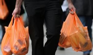 Πλαστική σακούλα: Πόσο θα μας κοστίζει στα σούπερ μάρκετ από το 2018