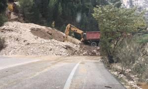 Καιρός: Αποκαταστάθηκε η σύνδεση στην εθνική οδό Αντιρρίου - Ιωαννίνων, στο ύψος της Κλεισούρας