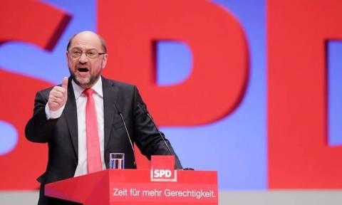 Γερμανία: «Εφιαλτικό» το 2017 για τον Σουλτς σύμφωνα με δημοσκόπηση - Από κοντά η… Μέρκελ