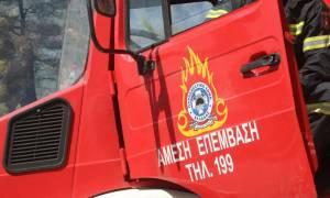 Θεσσαλονίκη: Στις φλόγες αυτοκίνητο σε παράδρομο του Περιφερειακού
