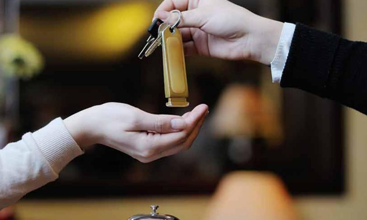 Στα «κόκκινα» οι ξενοδόχοι για τον νέο φόρο διαμονής