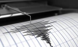Ισχυρός σεισμός 5,7 Ρίχτερ συγκλόνισε την Ινδονησία