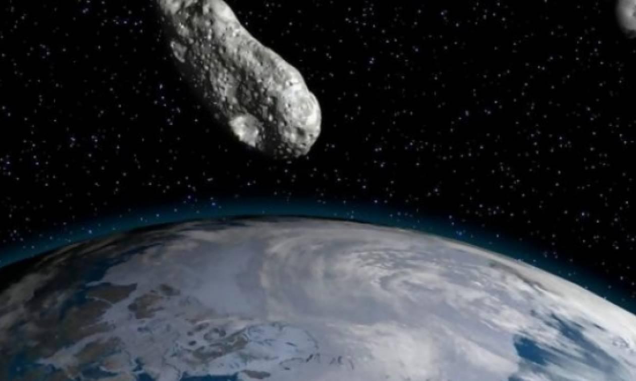 Αστεροειδής με μέγεθος λεωφορείου πέρασε ξαφνικά ανάμεσα στη Γη και στη Σελήνη!