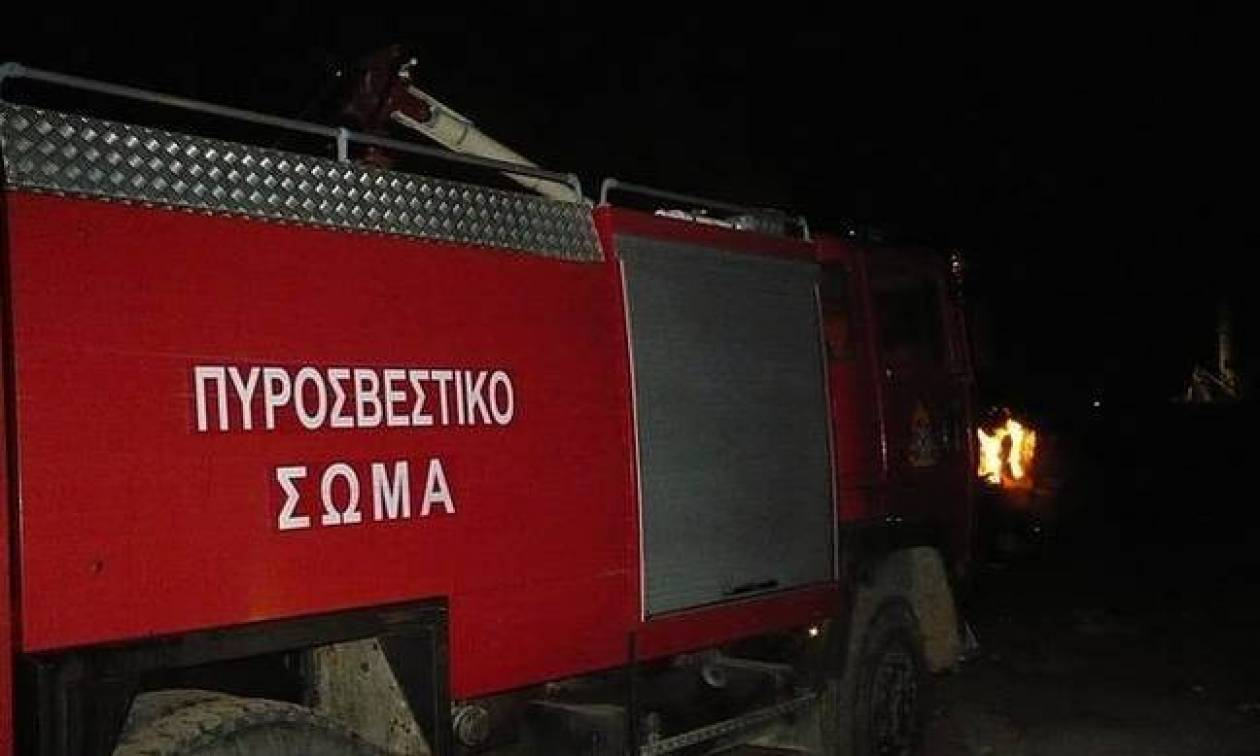 Αττική: Στις φλόγες κατάστημα στην περιοχή του Ταύρου