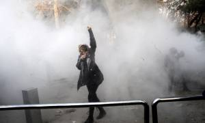 «Μετωπική» σύγκρουση ΗΠΑ – Ιράν για τις αντικυβερνητικές διαδηλώσεις στην Τεχεράνη
