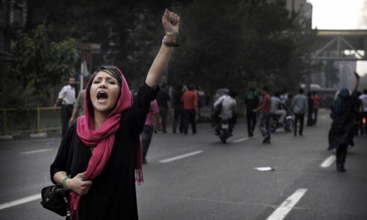 Εκτός ελέγχου η κατάσταση στο Ιράν: Eπεισόδια και σφαίρες κατά διαδηλωτών (ΠΡΟΣΟΧΗ! ΣΚΛΗΡΕΣ ΕΙΚΟΝΕΣ)