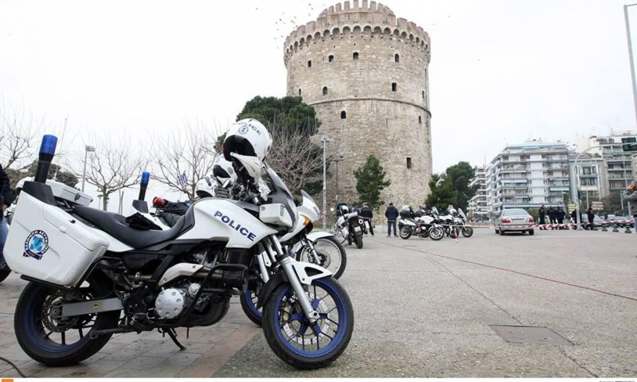 Θεσσαλονίκη: Στιγμές τρόμου σε πιτσαρία - Ληστής τραυμάτισε δύο άνδρες