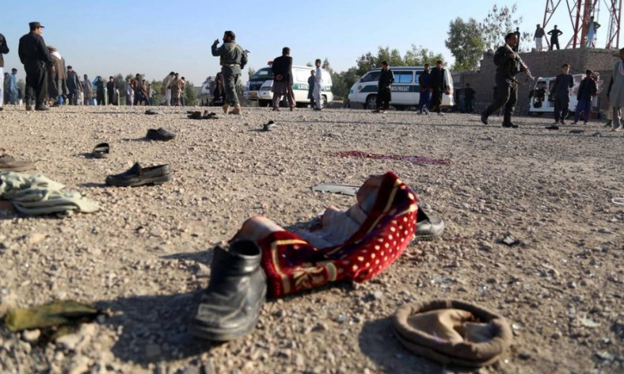 Βία χωρίς τέλος στο Αφγανιστάν: Επίθεση καμικάζι σε κηδεία - 15 νεκροί