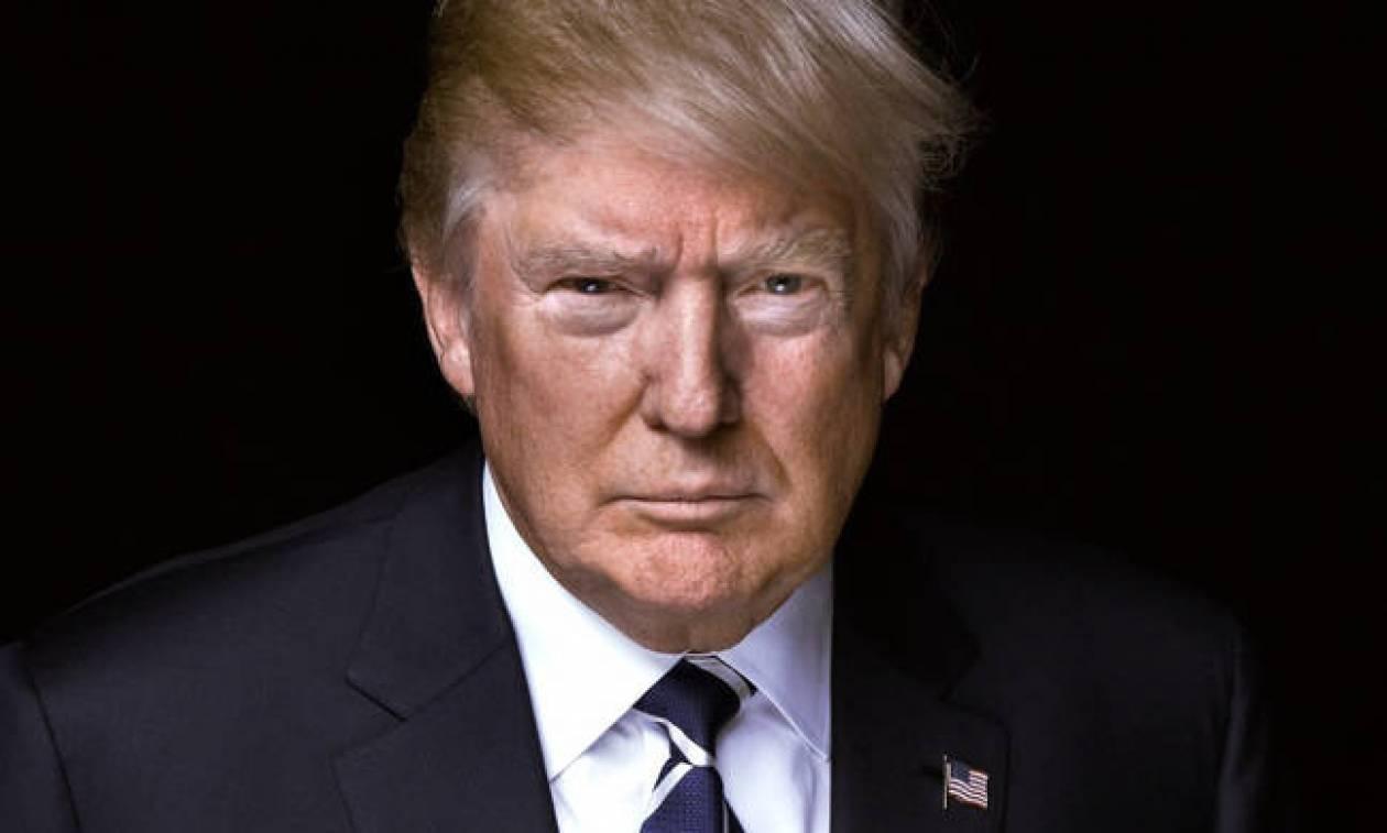 Με ομοβροντία μηνυμάτων στο Twitter ο Ντόναλντ Τραμπ «ξεσπάθωσε» για τον ένα χρόνο του στην εξουσία