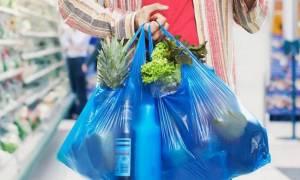 Παρελθόν η δωρεάν πλαστική σακούλα από τα σούπερ μάρκετ - Δείτε πόσο θα την πληρώνουμε