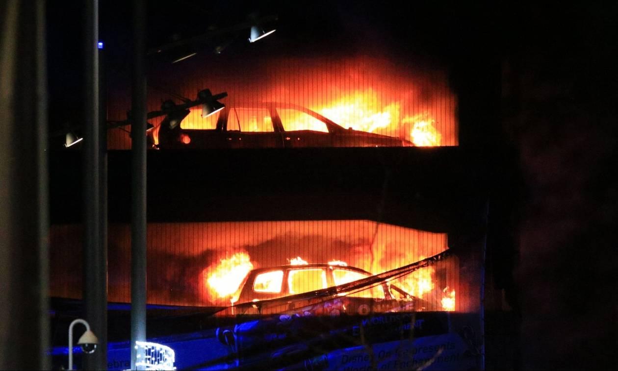 Βρετανία: Τεράστια πυρκαγιά σε πολυώροφο πάρκινγκ στο Λίβερπουλ - Στις φλόγες εκατοντάδες αυτοκίνητα